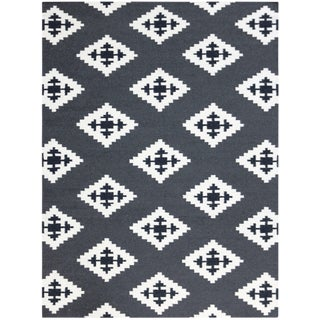 Zara Southwestern Ebony Flat-Weave Rug 8'x10' For Sale