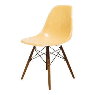 Eames for Herman Miller Fiberglass Dsw Shell Chair in Parchment C.1950s For Sale