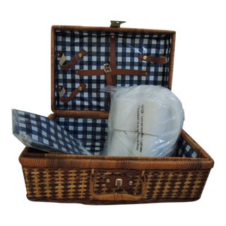 Vintage Picnic Basket & Tableware - Service for 4 For Sale