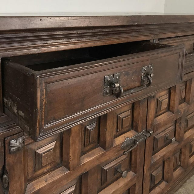 Mid 19th Century 19th Century Grand Spanish Buffet For Sale - Image 5 of 13