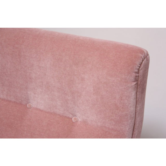 Pink Jens Risom Floating Three-Seat Armless Sofa in Walnut and Mohair For Sale - Image 8 of 13