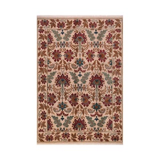 Hand Woven European Spanish Style Rug - 6' x 9' For Sale