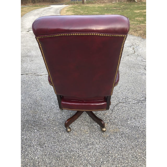 1990s Vintage Cabot Wrenn Executive Style Leather Swivel Chair For Sale - Image 4 of 13