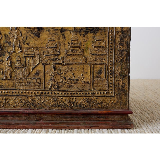 19th Century Burmese Gilded Chest or Trunk Table For Sale In San Francisco - Image 6 of 13