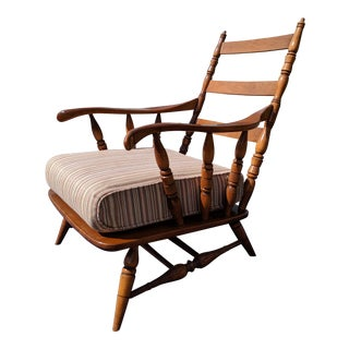 Mid-Century Modern Ladder-Back Turned Spindle Solid Oak Arm Chair For Sale