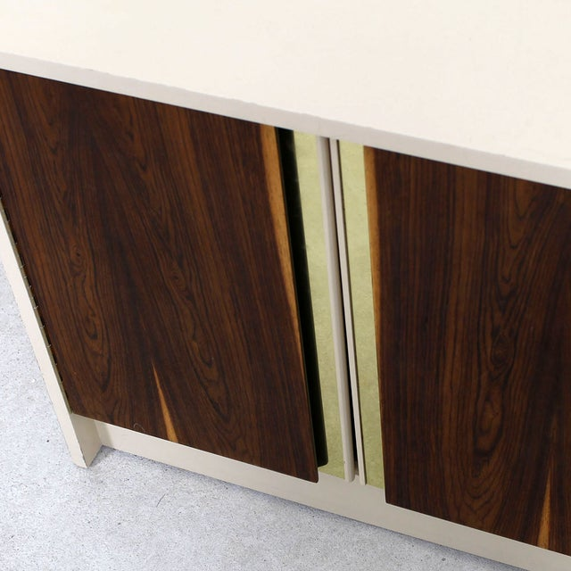 Late 20th Century Milo Baughman Bar / Media Cabinet With Rosewood Doors For Sale - Image 5 of 10