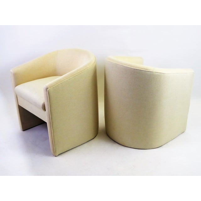 Gold Pair of Barrel Back Tub Chairs in White and Gold Weave Fabric, 1960s For Sale - Image 8 of 13
