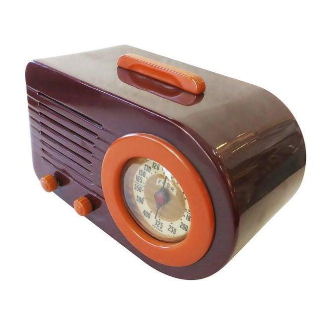 "Fada Model 1000 ""Bullet"" Coffee and Caramel Catalin Tube Radio - Image 4 of 10"