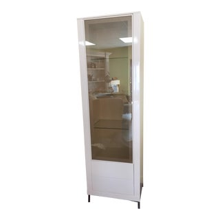 Contemporary Francisco Hurtado White Lacquer Display Cabinet For Sale