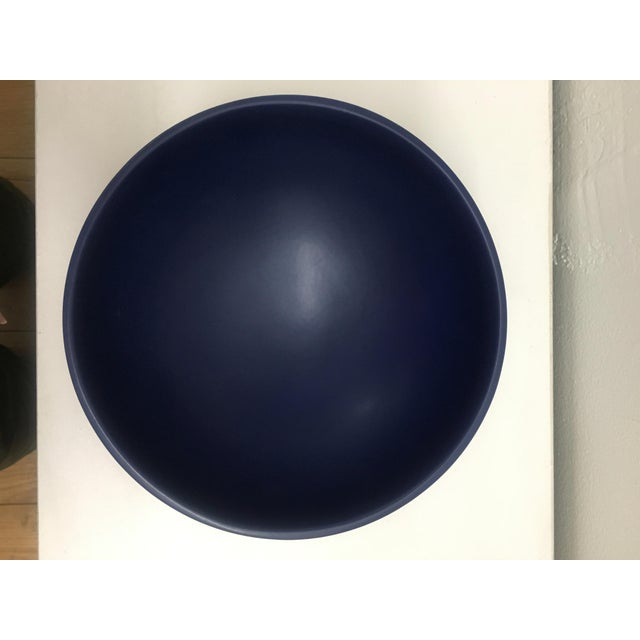 Raawii Strøm Dark Blue Bowl For Sale - Image 4 of 8