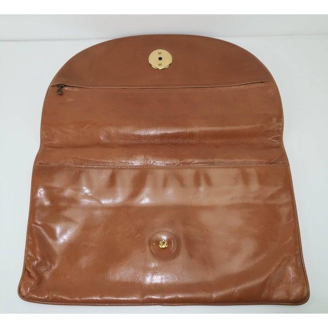 1970's Bottega Veneta Large Envelope Leather Clutch Handbag For Sale - Image 10 of 12