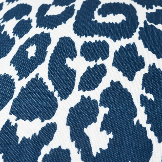 Early 21st Century Schumacher Iconic Leopard Indoor/Outdoor Pillow in Navy For Sale - Image 5 of 7