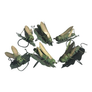 Vintage Hand Painted Tole & Wood Grasshopper on Leaf Form Napkin Rings - Set of 6 For Sale