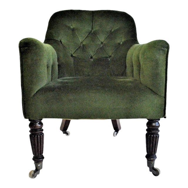 Early 20th Century English Edwardian Emerald Velvet Club Chair For Sale