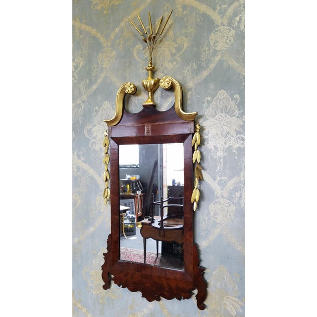 Chippendale 1810 Antique American Late Federal Period Mahogany & Gilt Hanging Looking Glass Mirror For Sale - Image 3 of 11