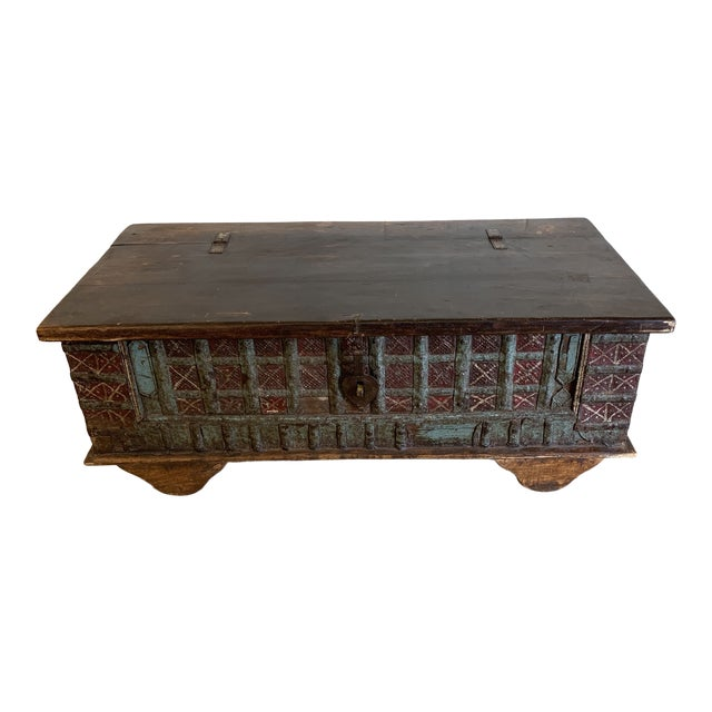 Jodang Strapped Metal Wedding Chest Trunk For Sale
