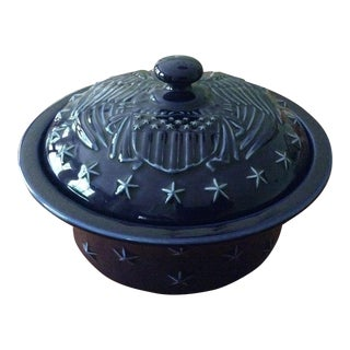Americana Longaberger Proudly American 1.5 Qt Navy Pottery Caserole Server For Sale