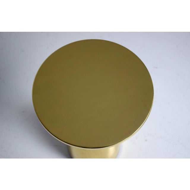 Modern Pair of Contemporary Handcrafted Brass Side Tables, Flow Collection For Sale - Image 3 of 13
