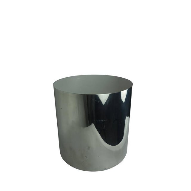 This is an eye catching chrome drum table with stainless steel top. This would make a lovely side table or accent table...