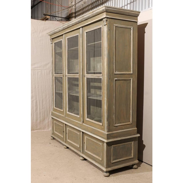 French 19th Century Wood Cabinet With Three Glass Doors Raised on Round Feet For Sale - Image 4 of 10