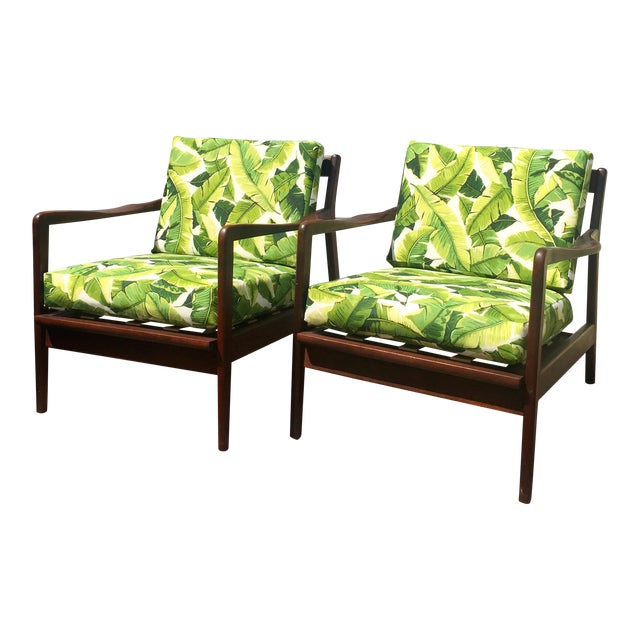 Pair of Mid-Century Banana Leaf Lounge Chairs For Sale