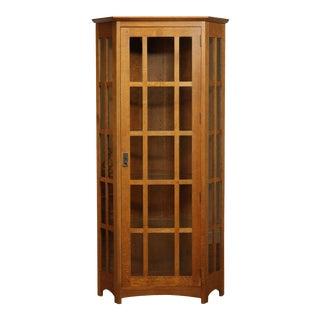 Stickley Mission Collection Oak Corner Cabinet (B) For Sale
