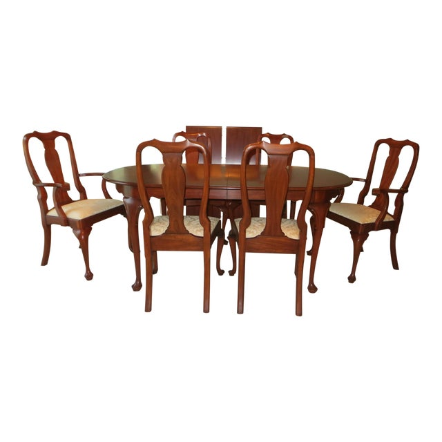 Queen Anne Henkel Harris Dining Set For Sale
