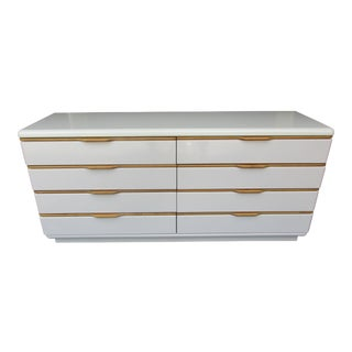 Lane Furniture White Lacquered 8 Drawer Dresser With Wooden Drawer Pulls