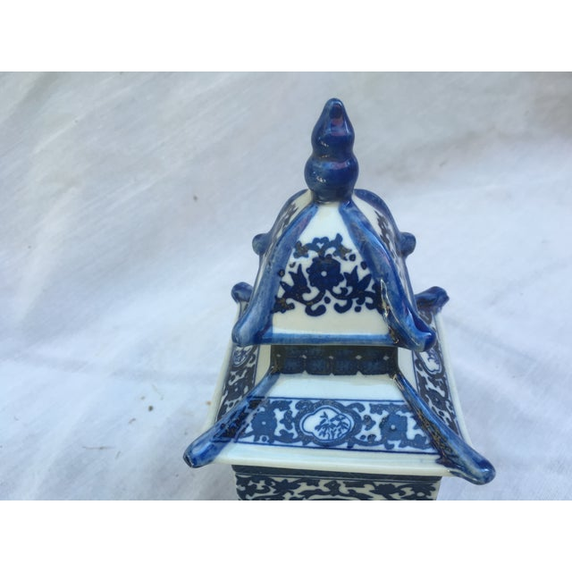 Blue & White Lidded Pagoda Vases - A Pair - Image 6 of 9