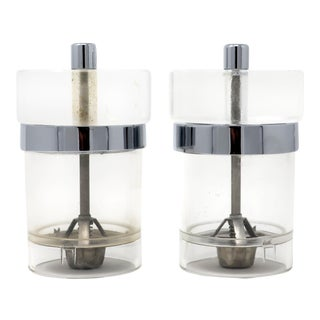 Pair of Vintage Clear Wm Bounds Ltd Salt and Pepper Grinders For Sale