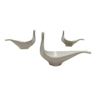 Jonathan Adler Ceramic Nesting Bird Bowls – Set of 3 For Sale
