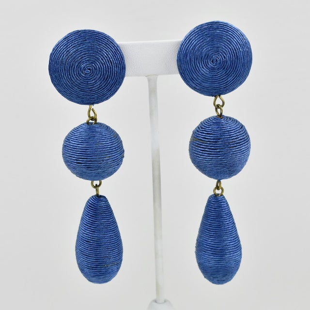 1980s Vintage Oversized Blue Thread Dangling Pierced Earrings For Sale In Atlanta - Image 6 of 6