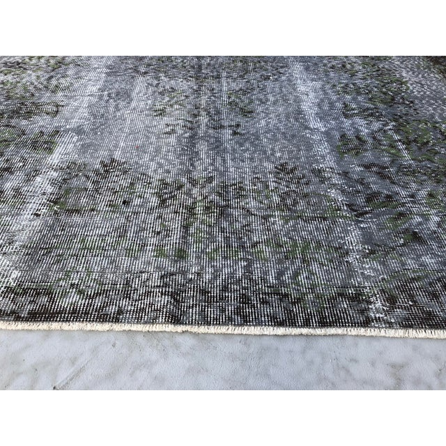 Gray 1960s Turkish Handmade Floor Rug For Sale - Image 8 of 10