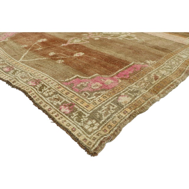 52766 Vintage Turkish Kars Rug with Romantic Mid-Century Modern Style 05'11 x 07'00. Warm and inviting, this hand-knotted...