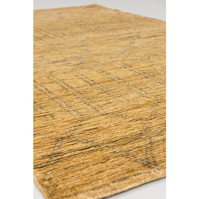 Color: Natural - Made In: India. 100% Jute. A contemporary design with an undeyed natural plant based texture.