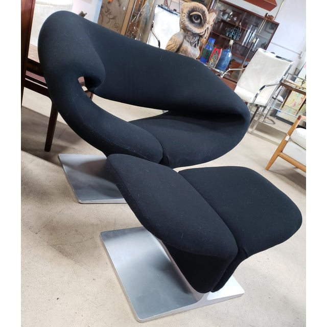 Mid-Century Modern 2 Vintage Black Ribbon Chairs by Pierre Paulin for Artifort W/Ottoman For Sale - Image 3 of 10