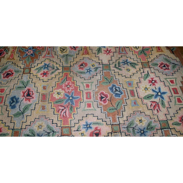 "American 1900s Antique American Hooked Rug- 6' x 8'10"" For Sale - Image 3 of 8"