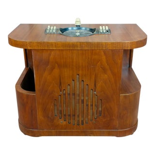 Zenith Beautiful Vintage Chairside tube Radio For Sale