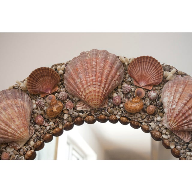 Tony Duquette Hollywood Regency Round Seashell Encrusted Wall Mirror For Sale - Image 4 of 5