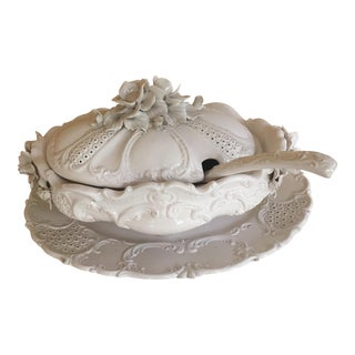 Hand Painted Italian Ardalt Fiore Blanco Tureen, Platter and Ladle For Sale