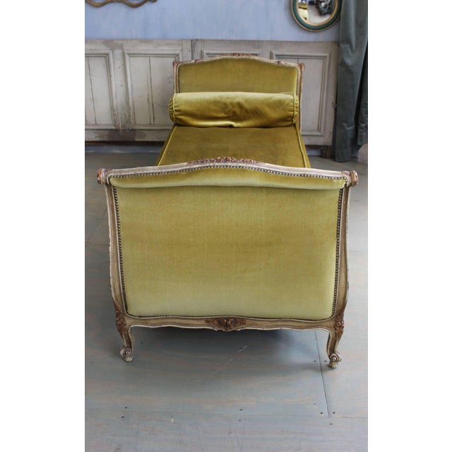 French Early 20th Century Louis XV Style Daybed For Sale - Image 4 of 10