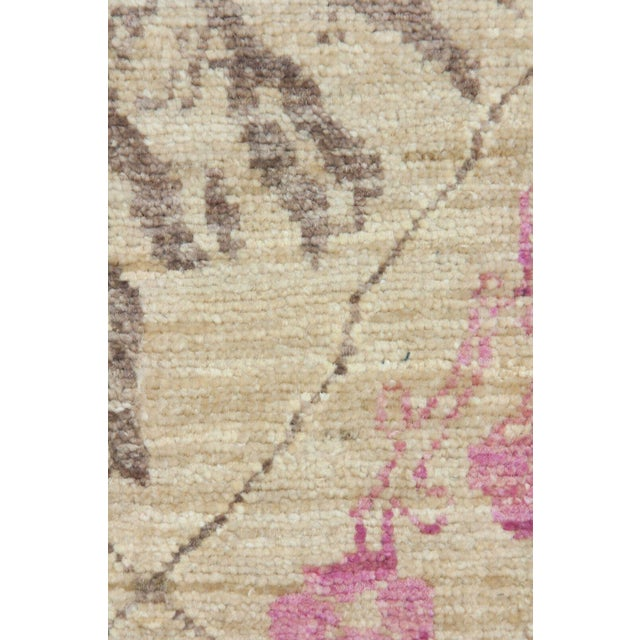 """Contemporary Hand Knotted Beige Floral Wool Runner Rug - 2' 6"""" X 8' 10"""" For Sale - Image 3 of 4"""