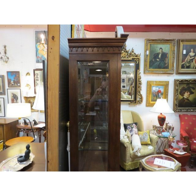 Federal Henredon Antique Mahogany 2 Door China Cabinet For Sale - Image 3 of 9
