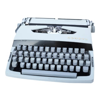 1969 Suitcase Typewriter, Consul Type 235, Czechoslovakia For Sale
