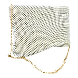 1970's Vintage Whiting & Davis White Metal Mesh & Gold Chain Link Strap Hand Bag For Sale