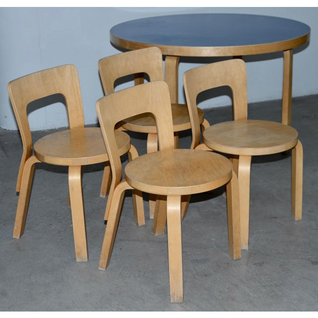 Wood 1930s Vintage Alvar Aalto Children's Table & Chairs - Set of 4 For Sale - Image 7 of 9