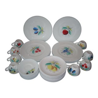 Westmoreland Mid-Century Dinnerware Set of 32 Pieces For Sale