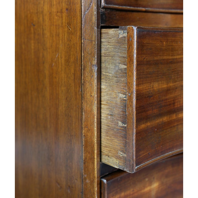 Fine George III Mahogany Serpentine Chest of Drawers For Sale In Boston - Image 6 of 11