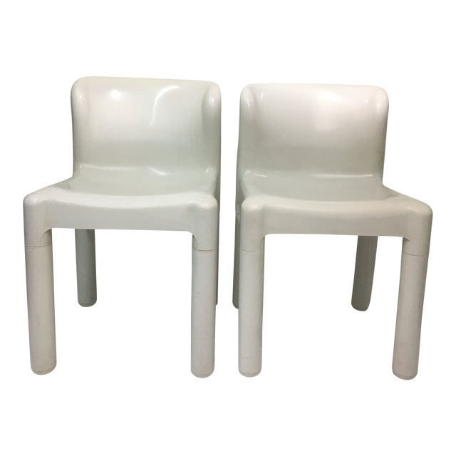 1970s White Plastic Chairs #4875 by Carlo Bartoli for Kartell - a Pair For Sale
