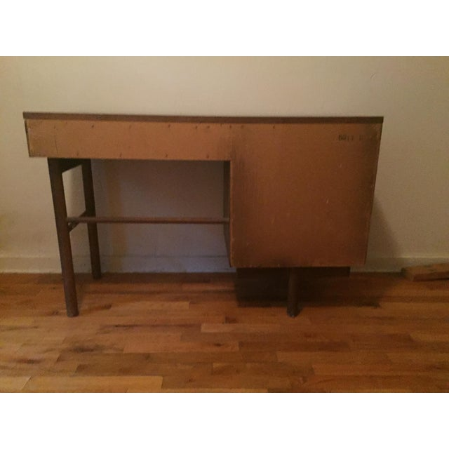 Mid-Century Modern Stanley Mid-Century Modern Desk For Sale - Image 3 of 8